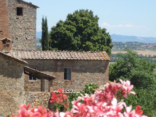 Relais Borgo di Stigliano: view from hotel