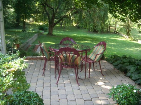 Sobotta Manor Bed & Breakfast : Green Oasis