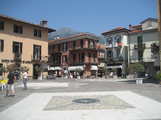 Grand Hotel Menaggio: menaggio piazza