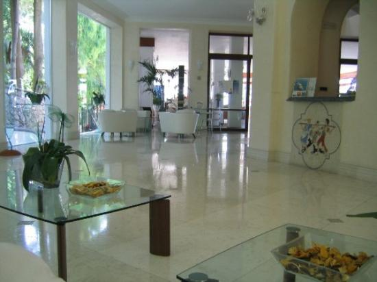 Hotel La Floridiana: lobby