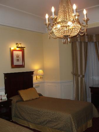 3 single beds picture of emperador hotel madrid madrid tripadvisor