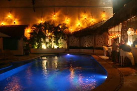 Hotel Playa Fiesta: The large swimming pool