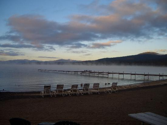 Franciscan Lakeside Lodge: Sunrise from our cabin