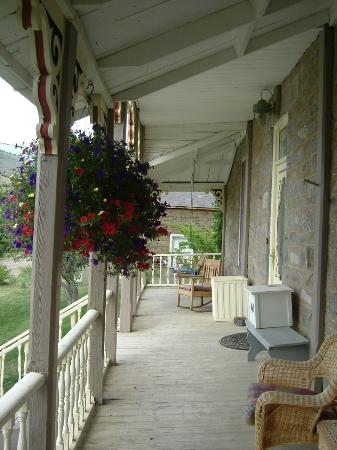 The Stonehouse Inn: The porch