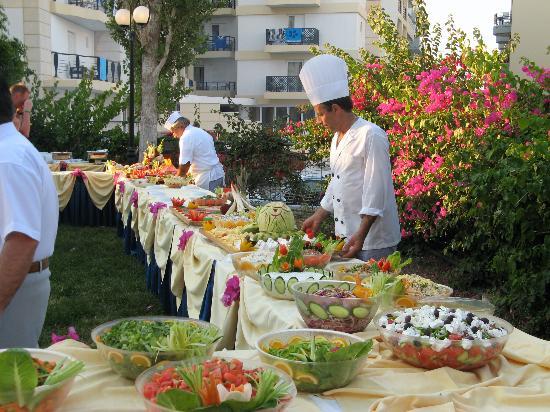 Hersonissos Palace Hotel : Une partie du buffet barbecue