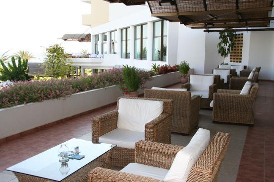 Constantinou Bros Athena Royal Beach Hotel: Hotel Terrace