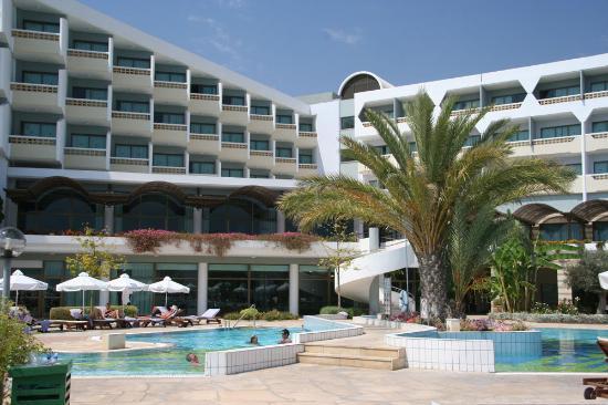 Constantinou Bros Athena Royal Beach Hotel: Hotel Rear (Sea View Rooms)