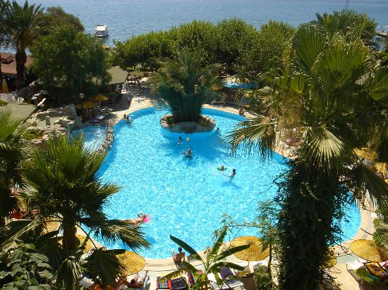 Tropikal Hotel: Swimming pool