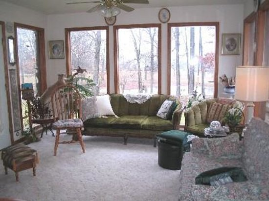 Stone Ridge Inn: living room