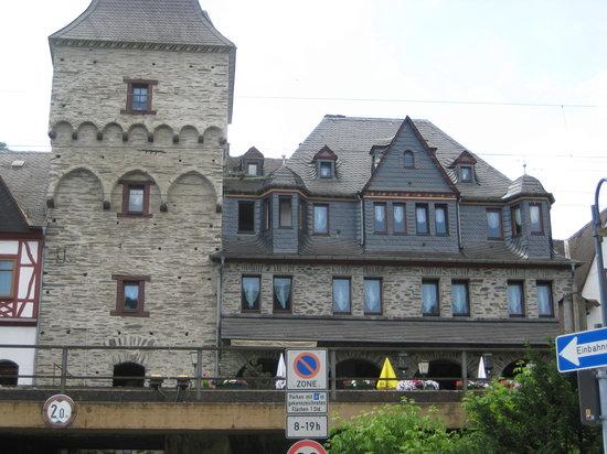 Hotel Kranenturm: hotel restaurant side
