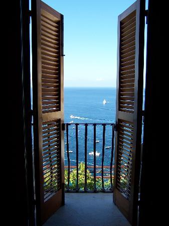 Hotel - Albergo California Positano: View from the balcony doors