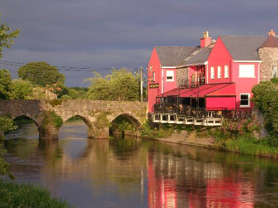 Brogan 39 s bar guesthouse updated 2017 prices b b - Cheap hotels in ireland with swimming pool ...