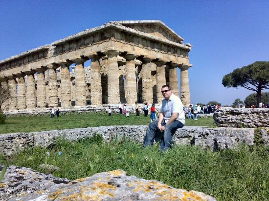 Le Tre Caravelle: One of the three temples at Paestum