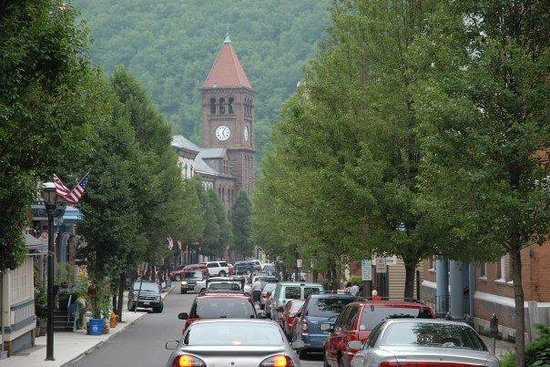 Jim Thorpe main street