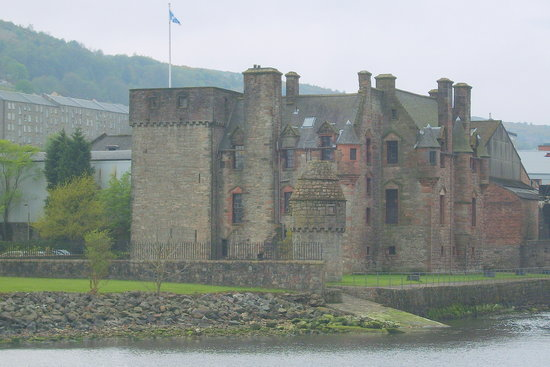 Port Glasgow, UK: Newark Castle from the nearby jetty.