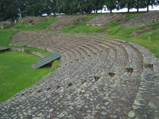 Les Ursulines: The Roman amphitheatre
