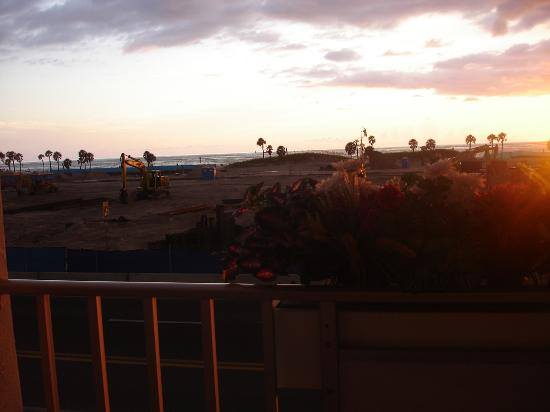 Sunrise Resort Motel South: construction
