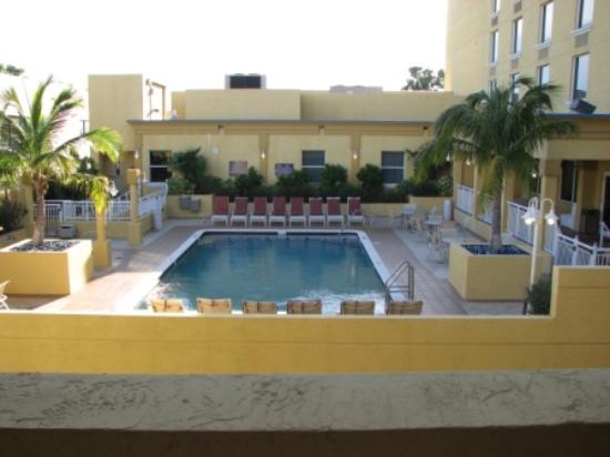Swimming Pool Picture Of Hampton Inn Ft Lauderdale Downtown Las Olas Area Fort Lauderdale