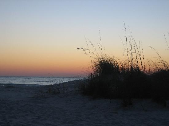 Fort De Soto Park: Sunset at North Beach