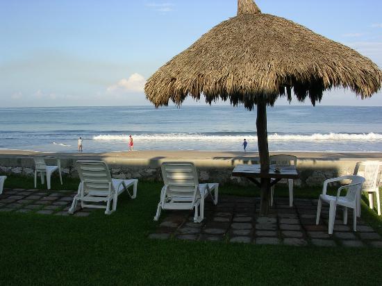 Villas El Rancho Green Resort: The Beach.