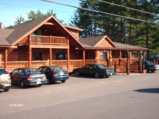 Last Minute Hotels in Chippewa Falls
