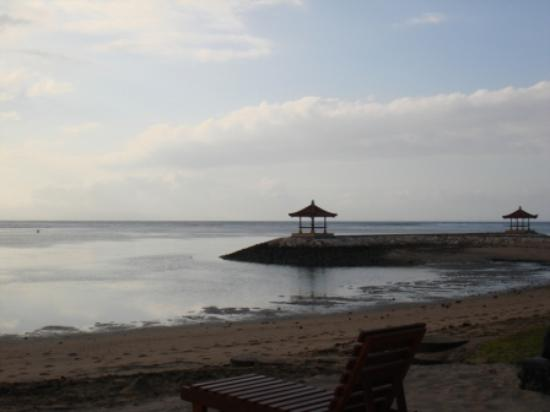 Besakih Beach Hotel: View from beach in the morning