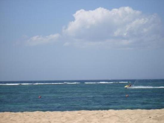 Besakih Beach Hotel: View of the beach
