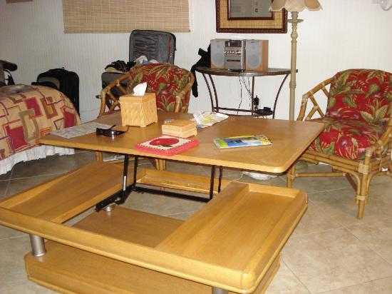 Popup Coffee Table Picture Of Center Court Key West Tripadvisor