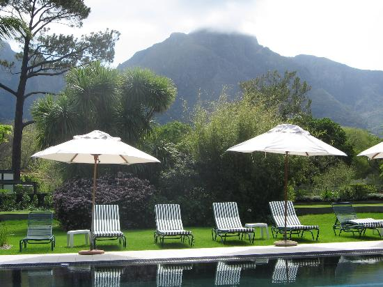 Vineyard Hotel: View from the Pool