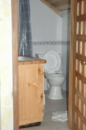 Mindo Garden: the bathroom