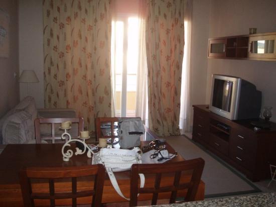 Sol Andalusi: Salón del apartamento.