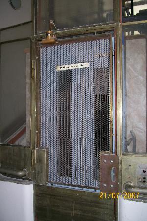 Havelska Apartment : Elevator