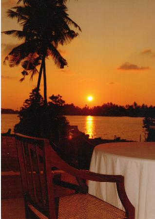 The Waterside Bentota: Enjoy the sunsets at the Waterside Hotel