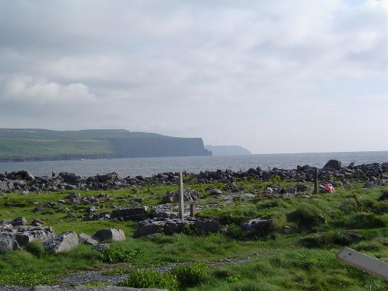 Ballinalacken Castle Country House : View of Cliffs of Moher from inn