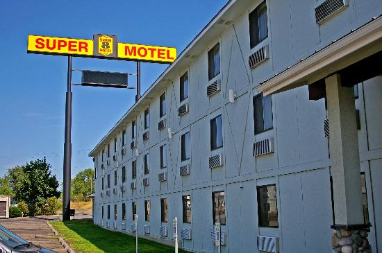 Super 8 Spokane Valley : Exterior