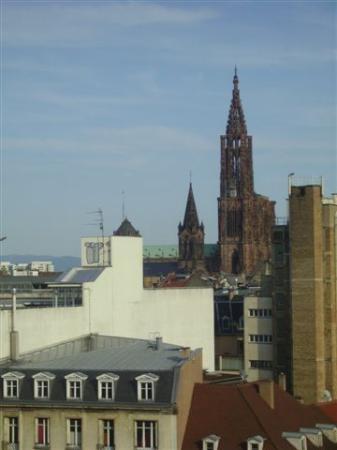 Ibis Strasbourg Centre Halles : vue de notre chambre2