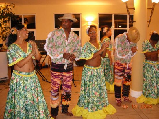 Tarisa Resort & Spa: Entertainment organized at the hotel