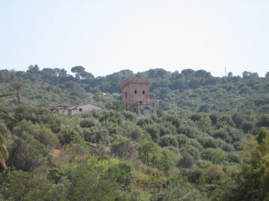 Villa Palamara 1868: view of villa from beach