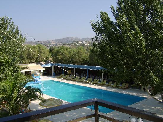 Sylvia Hotel: Pool View