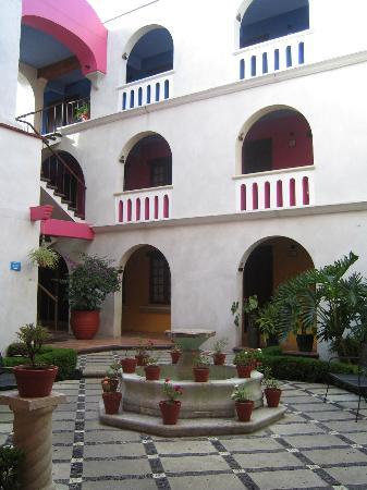 Hotel Trebol : Patio2
