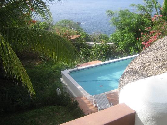 Puerto Angel, Meksyk: Vue petite piscine, depuis la chambre