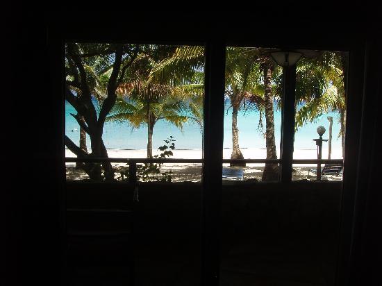 Island Pearl: La impresionante vista al Caribe desde el comedor