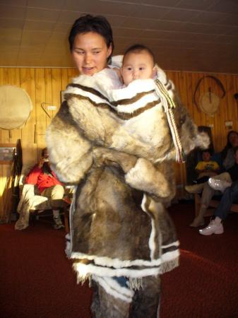 Bathurst Inlet Lodge : Display of Inuit Clothing
