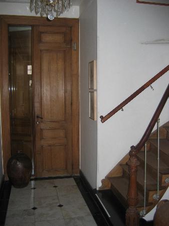 Brugge Bed & Breakfast : Riddersstraat 9 entryway