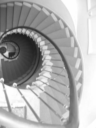 Brugge Bed & Breakfast : Riddersstraat 9  - spiral staircase