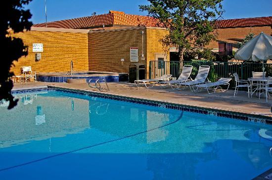 Mirabeau Park Hotel: Pool