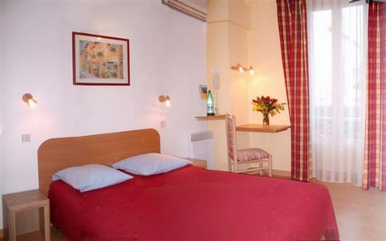 Hotel des Allees: Schönes helles Zimmer