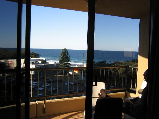 Voyager Resort: View of Broadbeach from balcony