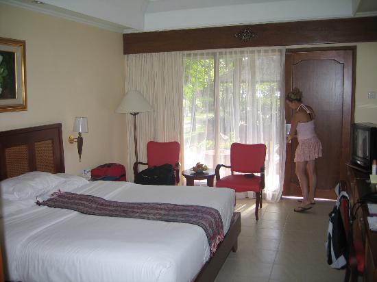 Holiday Inn Resort Baruna Bali : La chambre