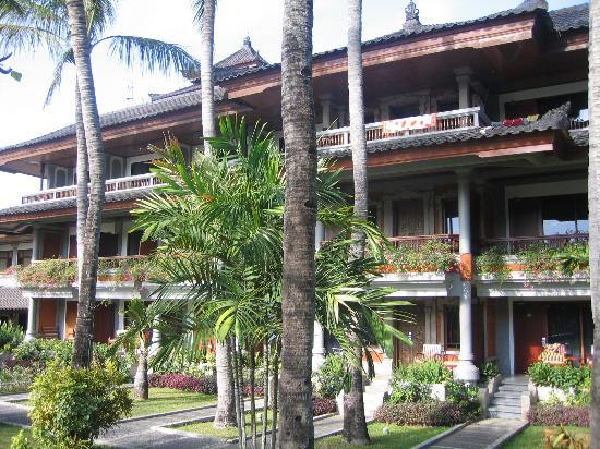 Holiday Inn Resort Baruna Bali: Vue de l'hôtel